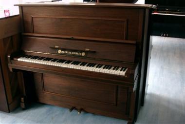 gebrauchtes klavier der marke b ltje berlin gebrauchte. Black Bedroom Furniture Sets. Home Design Ideas
