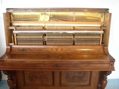 gebrauchtes klavier der marke hoffmann berlin gebrauchte. Black Bedroom Furniture Sets. Home Design Ideas