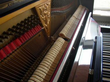 gebrauchtes klavier der marke steinwaller berlin gebrauchte klaviere raum hamburg bei pia nola. Black Bedroom Furniture Sets. Home Design Ideas